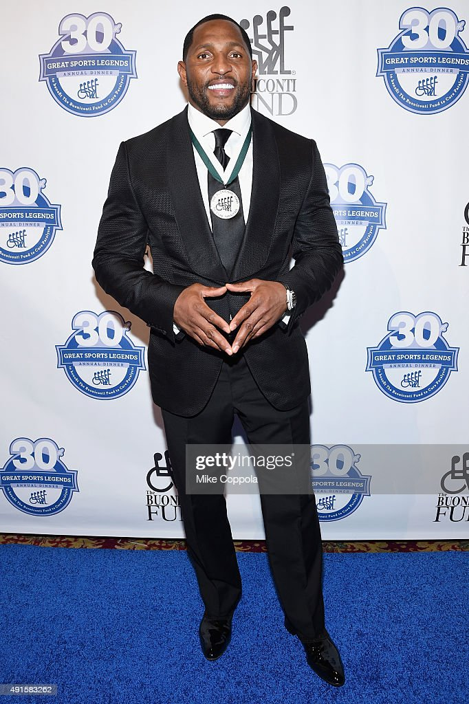 Former NFL player Ray Lewis attends the 30th Annual Great Sports Legends Dinner to benefit The Buoniconti Fund to Cure Paralysis at The Waldorf Astoria on October 6, 2015 in New York City.