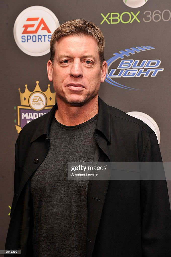 Former NFL player Troy Aikman arrives at EA SPORTS Madden Bowl XIX at the Bud Light Hotel on January 31, 2013 in New Orleans, Louisiana.