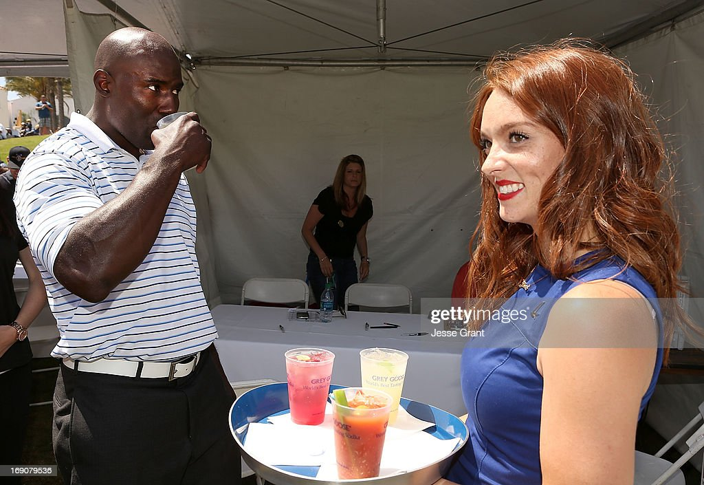 Former NFL running back <a gi-track='captionPersonalityLinkClicked' href=/galleries/search?phrase=Terrell+Davis&family=editorial&specificpeople=207037 ng-click='$event.stopPropagation()'>Terrell Davis</a> (L) attends the Marshall Faulk Celebrity Golf Championship Presented by GREY GOOSE held at La Costa Resort & Spa on May 19, 2013 in Carlsbad, California.