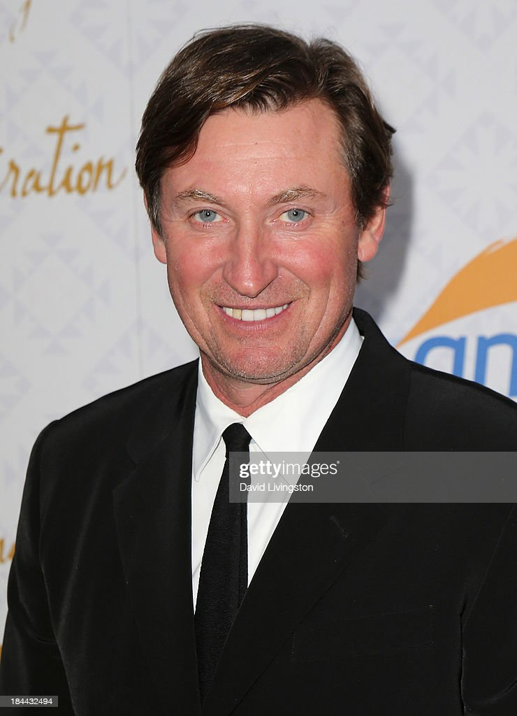Former NHL player <a gi-track='captionPersonalityLinkClicked' href=/galleries/search?phrase=Wayne+Gretzky+-+Ice+Hockey+Player&family=editorial&specificpeople=157520 ng-click='$event.stopPropagation()'>Wayne Gretzky</a> attends the 10th Annual Alfred Mann Foundation Gala in the Robinsons-May Lot on October 13, 2013 in Beverly Hills, California.