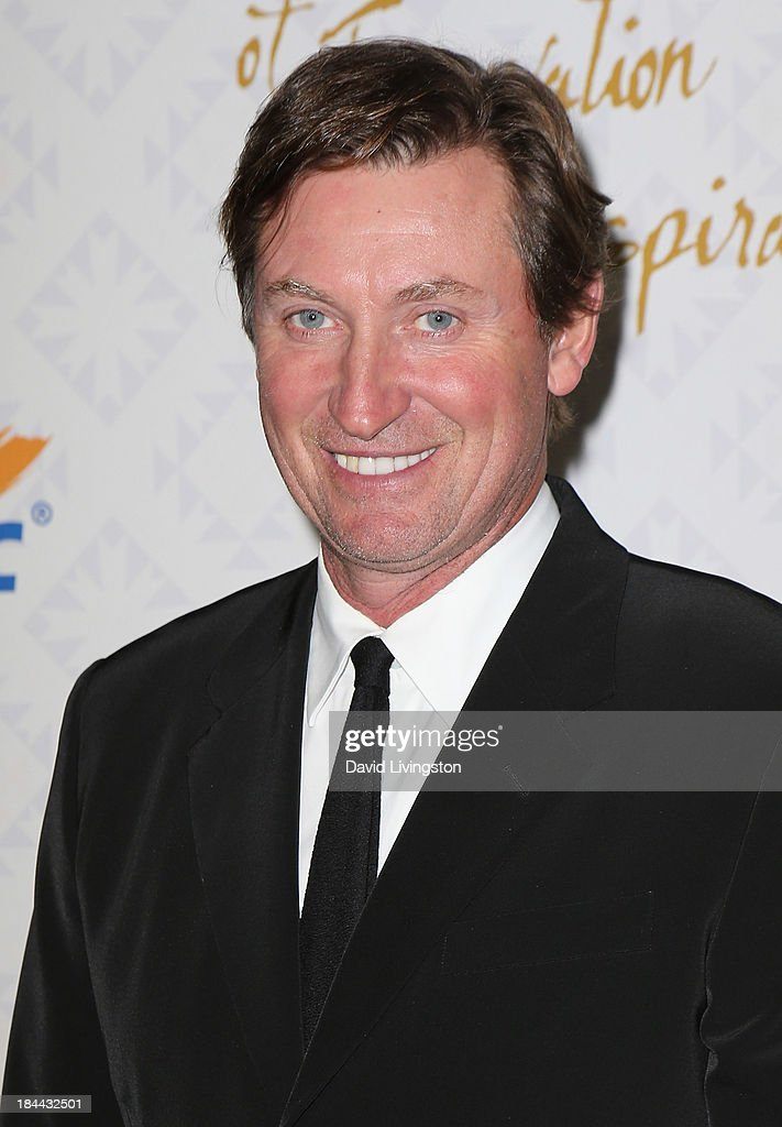 Former NHL player Wayne Gretzky attends the 10th Annual Alfred Mann Foundation Gala in the Robinsons-May Lot on October 13, 2013 in Beverly Hills, California.