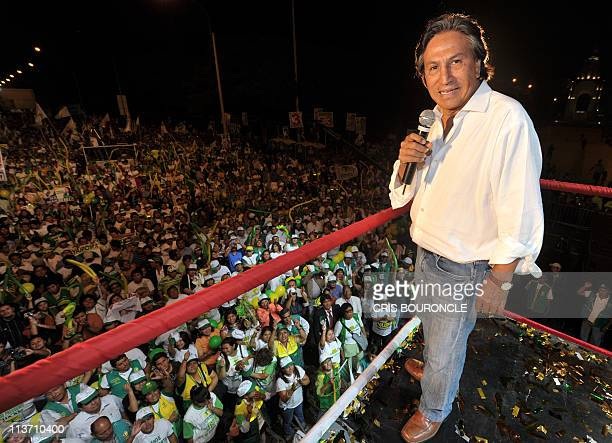 Former Peruvian President Alejandro Toledo leader of Alianza Perú Posible Party directs his closing rally in Lima on April 7 2011 on the final...
