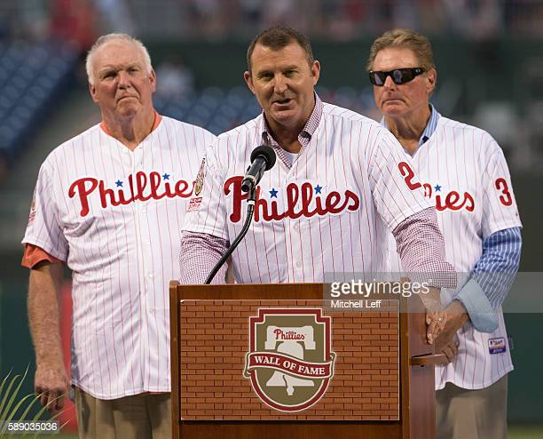 Former Philadelphia Phillies player Jim Thome talks to the crowd with former Philadelphia Phillies manager Charlie Manuel and former Philadelphia...