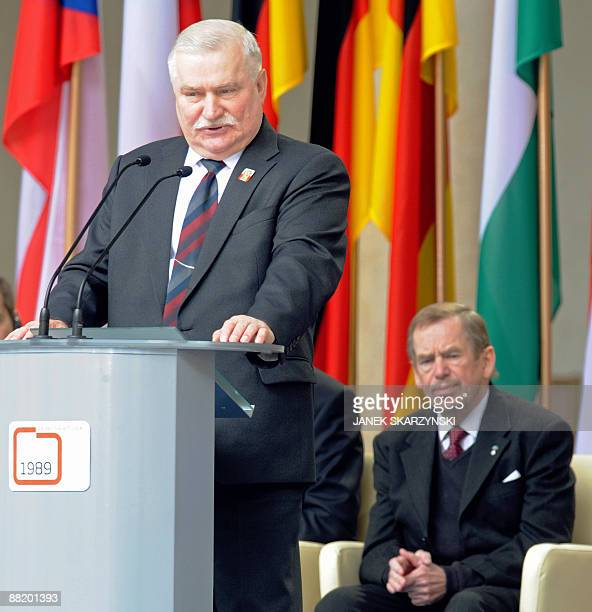 Former Polish President Lech Walesa the iconic Solidarity union leader gives a speech during the ceremonies on June 4 2009 as former Czech President...