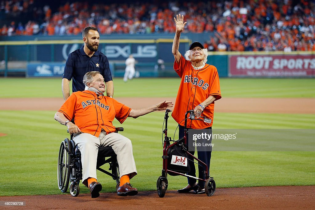 Former President George HW Bush and former First Lady Barbara Bush are introduced prior to game three of the American League Division Series between...