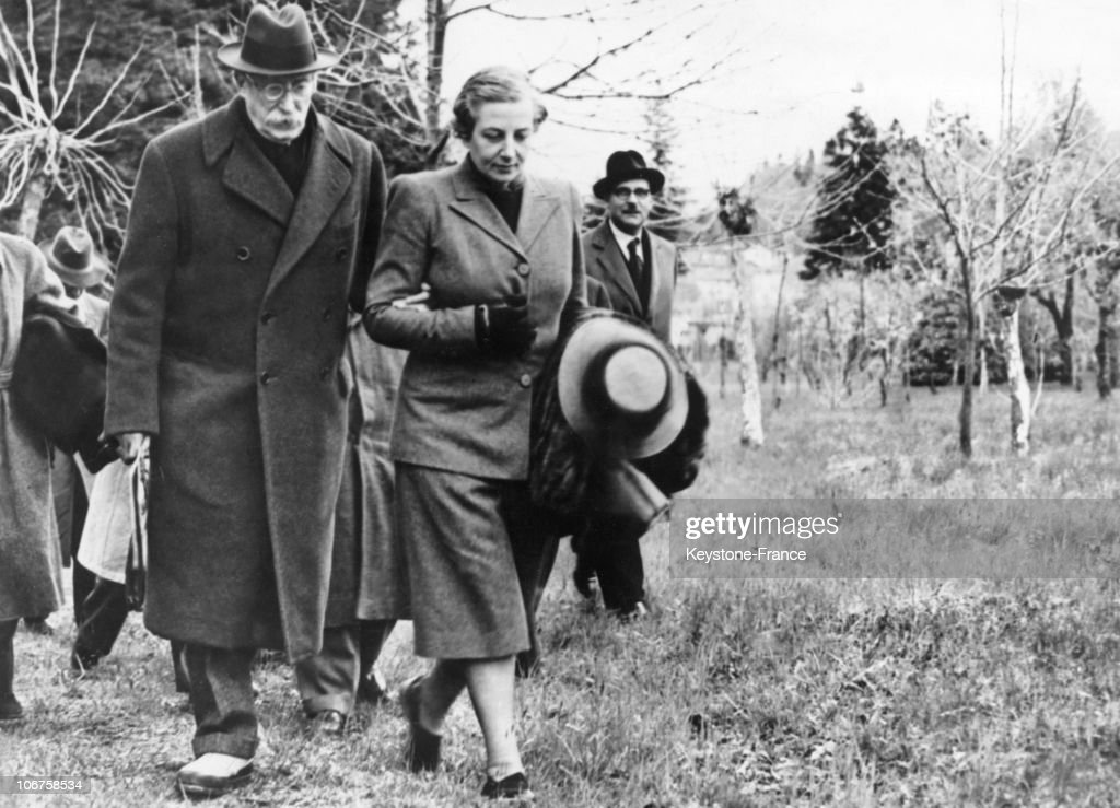 Former President Of Council Leon Blum And His Wife In Cerro, Near Lake Maggiore, In 1948.