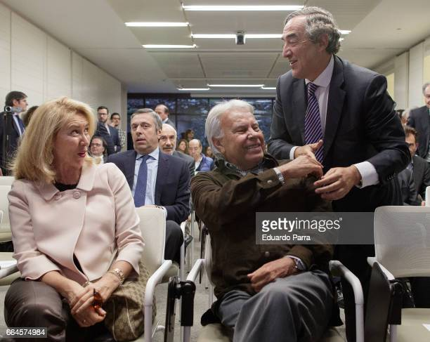 Former President of Spain Felipe Gonzalez and Joan Rosell attend the presentation of the book 'Un pan como unas tortas' at Abertis Fundation on April...