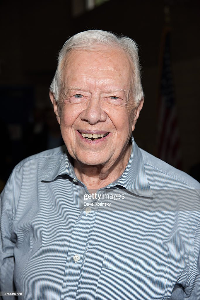 Former President of the United States <a gi-track='captionPersonalityLinkClicked' href=/galleries/search?phrase=Jimmy+Carter+-+US+President&family=editorial&specificpeople=93589 ng-click='$event.stopPropagation()'>Jimmy Carter</a> signs copies of 'A Full Life Reflections At Ninety' at Bookends Bookstore on July 8, 2015 in Ridgewood, New Jersey.