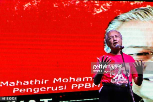 Former prime minister and PPBM chairman Dr Mahathir Mohamad is seen giving a speech at the 'Love Malaysia End Kleptocracy' rally Pakatan Harapan is...