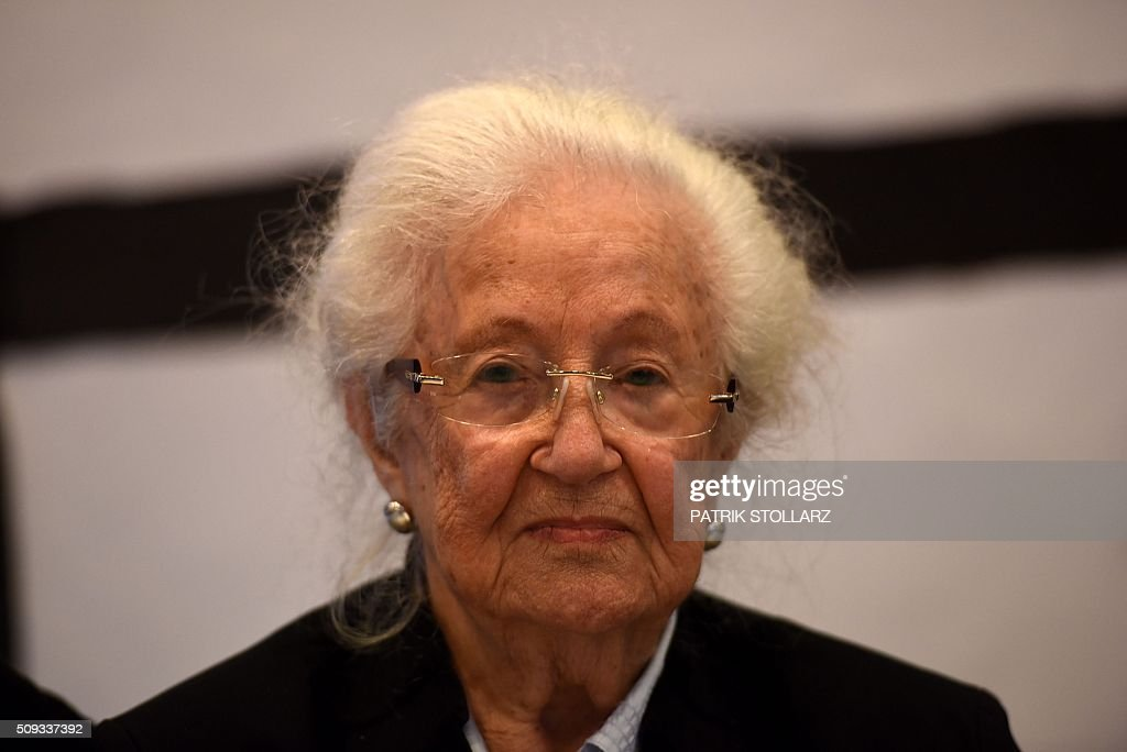 Former prisoner of Auschwitz extermination camp Erna de Vries is pictured prior to a press conference in Detmold, western Germany, on February 10, 2016 ahead of a trial of a former SS man Reinhold Hanning. Reinhold Hanning, 93, faces court in the western town of Detmold from Thursday, charged with at least 170,000 counts of accessory to murder in his role as a former guard at the camp in occupied Poland. / AFP / PATRIK STOLLARZ