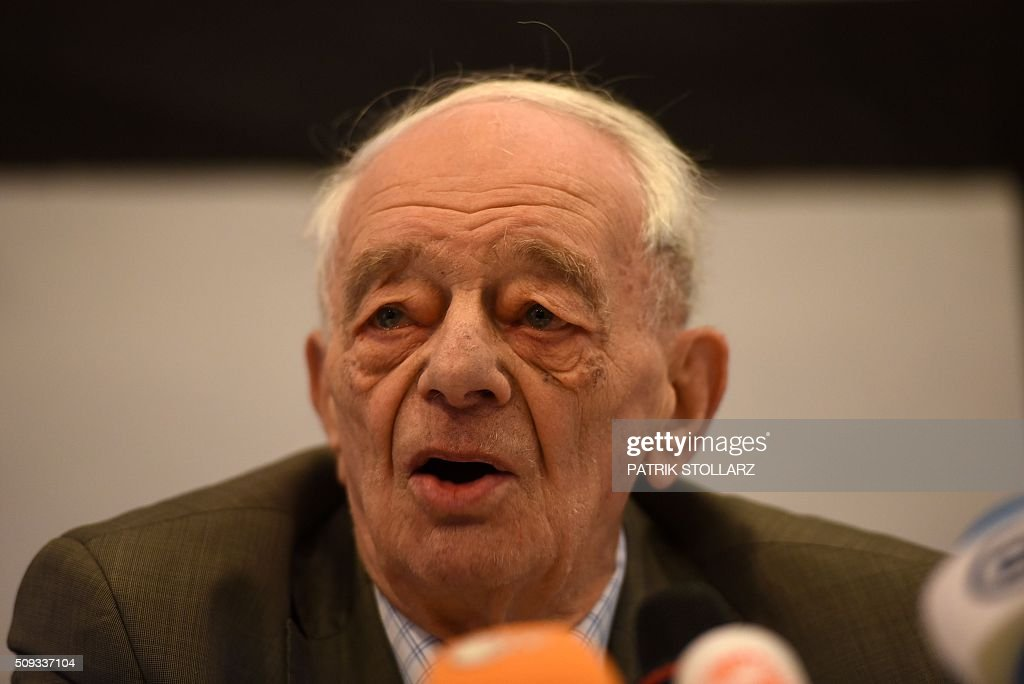 Former prisoner of Auschwitz extermination camp Justin Sonder takes part in a press conference in Detmold, western Germany, on February 10, 2016 ahead of a trial of a former SS man Reinhold Hanning. Reinhold Hanning, 93, faces court in the western town of Detmold from Thursday, charged with at least 170,000 counts of accessory to murder in his role as a former guard at the camp in occupied Poland. / AFP / PATRIK STOLLARZ