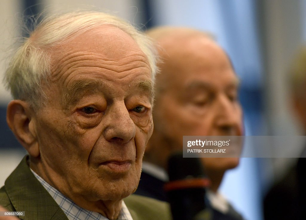 Former prisoners of Auschwitz extermination camp Justin Sonder takes part in a press conference in Detmold, western Germany, on February 10, 2016 ahead of a trial of a former SS man Reinhold Hanning. Reinhold Hanning, 93, faces court in the western town of Detmold from Thursday, charged with at least 170,000 counts of accessory to murder in his role as a former guard at the camp in occupied Poland. / AFP / PATRIK STOLLARZ