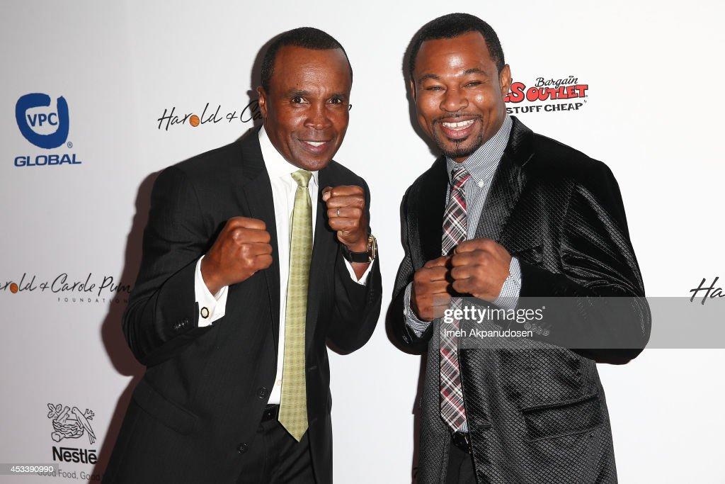 Former professional boxers <a gi-track='captionPersonalityLinkClicked' href=/galleries/search?phrase=Sugar+Ray+Leonard&family=editorial&specificpeople=206479 ng-click='$event.stopPropagation()'>Sugar Ray Leonard</a> (L) and 'Sugar' <a gi-track='captionPersonalityLinkClicked' href=/galleries/search?phrase=Shane+Mosley&family=editorial&specificpeople=184553 ng-click='$event.stopPropagation()'>Shane Mosley</a> attend the 14th Annual Harold & Carole Pump Foundation Gala at the Hyatt Regency Century Plaza on August 8, 2014 in Century City, California.