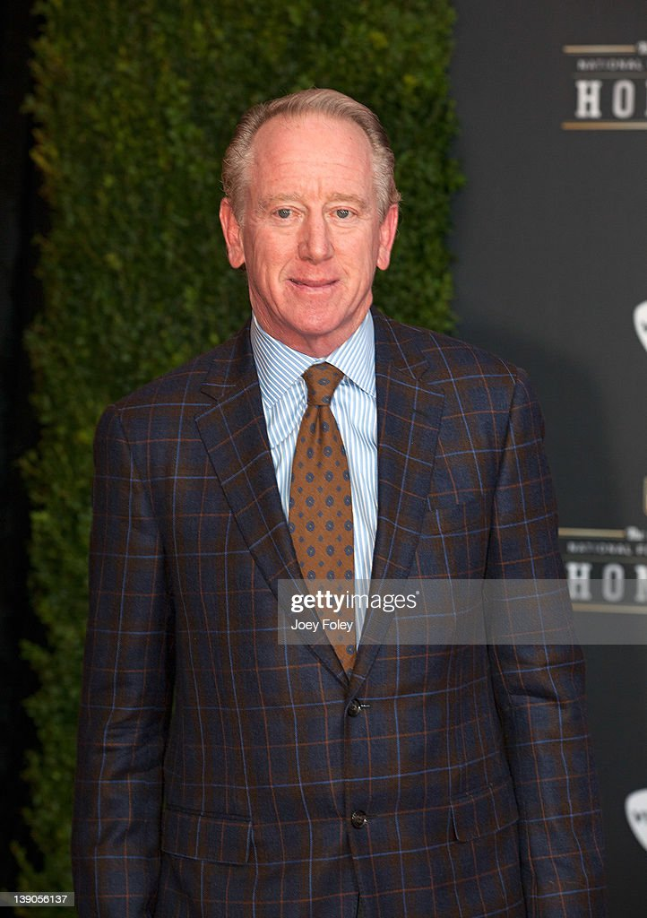 Former Professional Football Player <a gi-track='captionPersonalityLinkClicked' href=/galleries/search?phrase=Archie+Manning&family=editorial&specificpeople=453294 ng-click='$event.stopPropagation()'>Archie Manning</a> attends the 2012 NFL Honors at the Murat Theatre on February 4, 2012 in Indianapolis, Indiana.