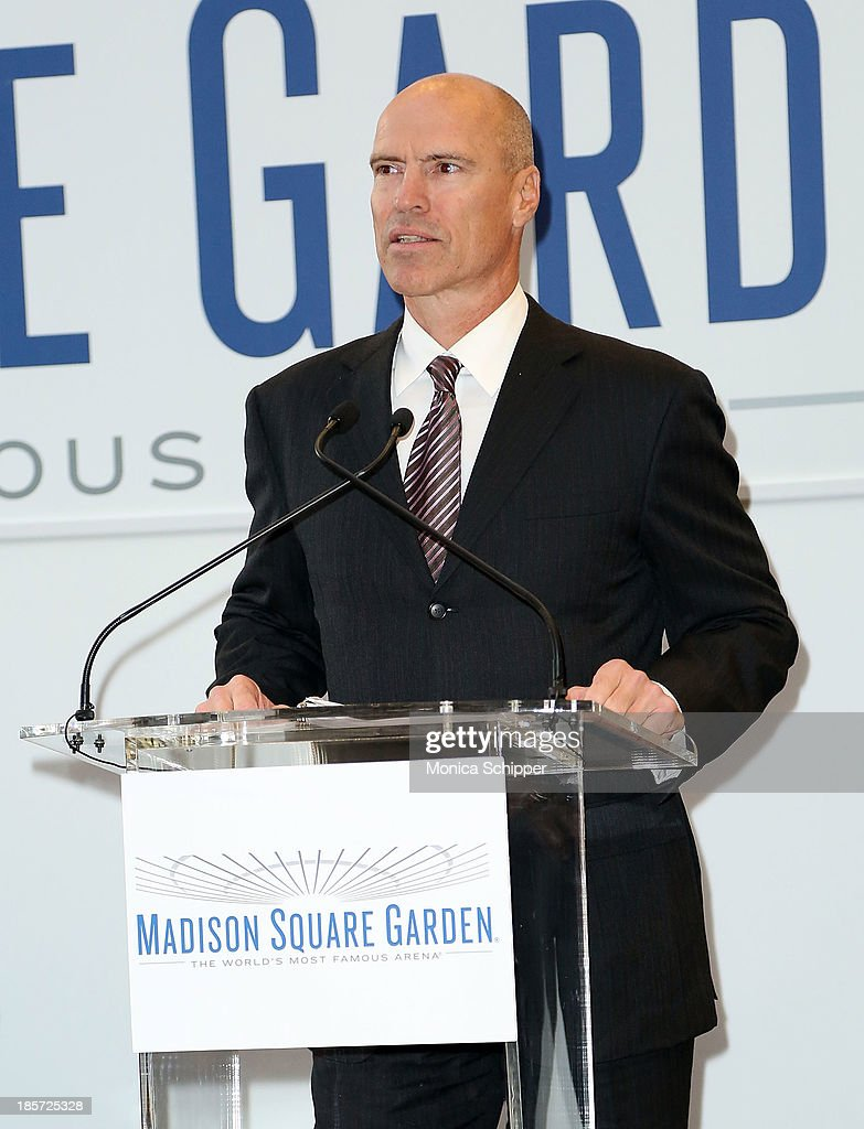 Former professional hockey player <a gi-track='captionPersonalityLinkClicked' href=/galleries/search?phrase=Mark+Messier&family=editorial&specificpeople=201793 ng-click='$event.stopPropagation()'>Mark Messier</a> attends the unveiling of Madison Square Garden on October 24, 2013 in New York City.