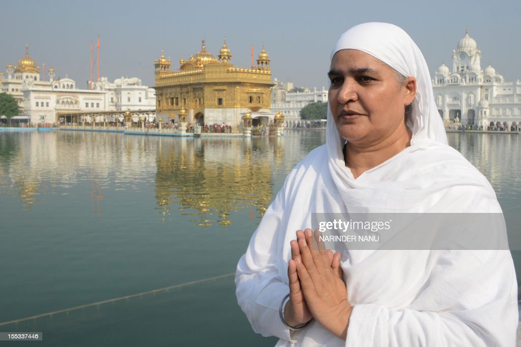 Former Punjab state minister and sitting Member of Legislative Assembly (MLA) Bibi Jagir Kaur poses for a photo near Golden temple in Amritsar on November 3, 2012. Kaur on November 1 was granted bail by the Punjab and Haryana High Court after her conviction in a case for conspiring in forcible abduction, kidnapping, and wrongful confinement of her daughter, who had died under mysterious circumstances. AFP PHOTO/ NARINDER NANU