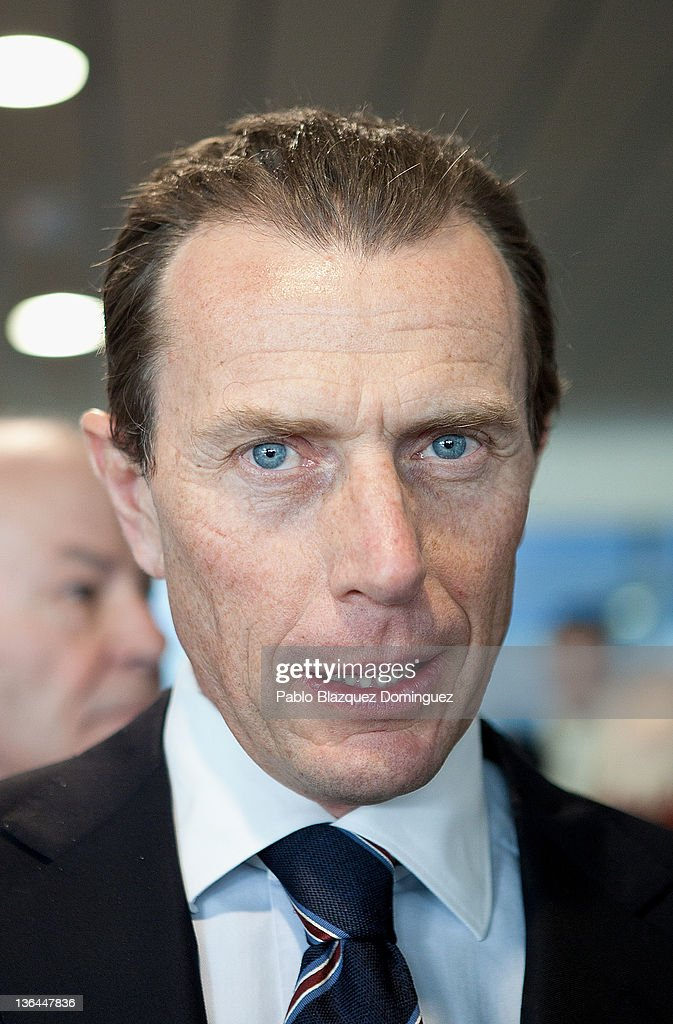 Former Real Madrid player <a gi-track='captionPersonalityLinkClicked' href=/galleries/search?phrase=Emilio+Butragueno&family=editorial&specificpeople=746497 ng-click='$event.stopPropagation()'>Emilio Butragueno</a> attends the 'Historia del Real Madrid Contada Por ABC' Book Presentation at Estadio Santiago Bernabeu on January 5, 2012 in Madrid, Spain.