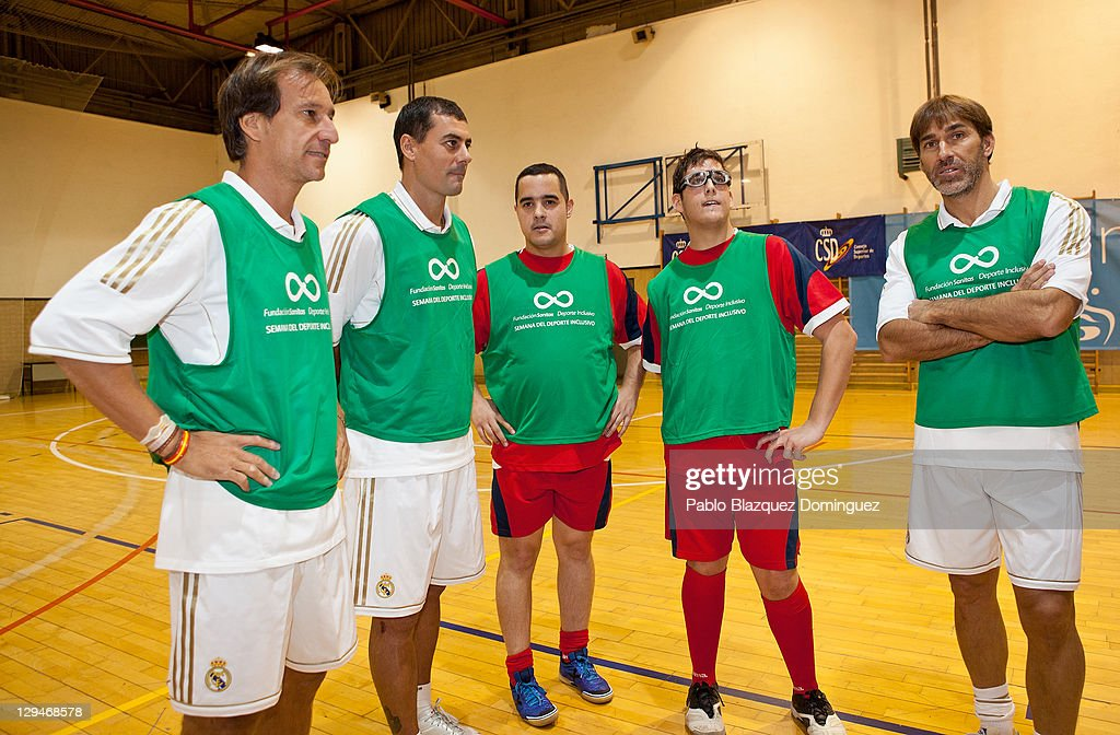 Old real madrid players play a match with cerebral palsy for Alfonso dominguez madrid