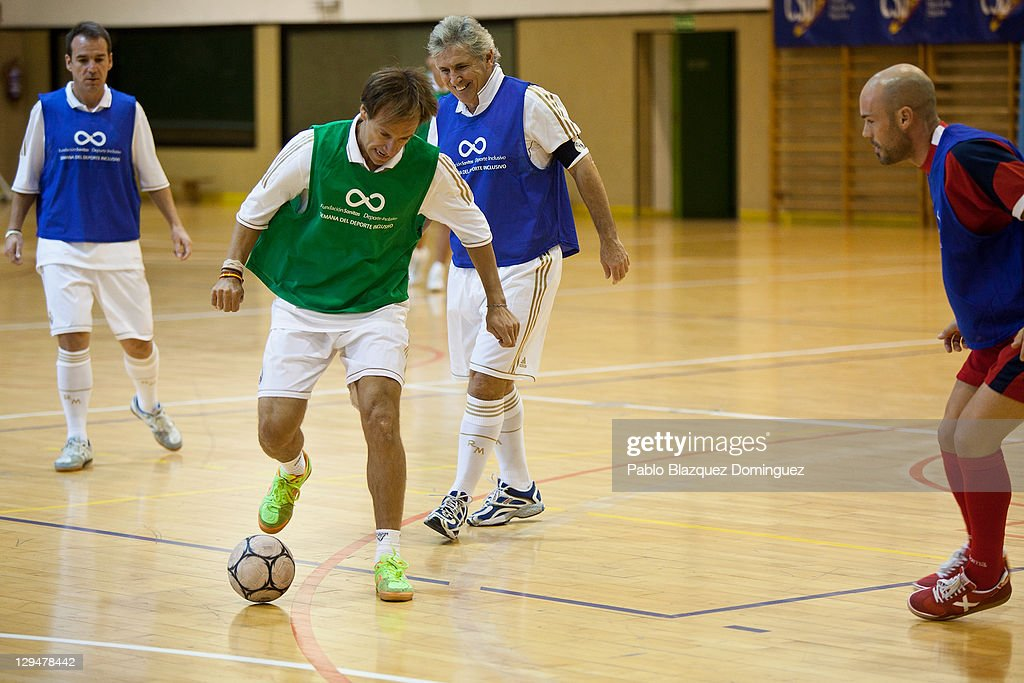 Old Real Madrid Players Join a Match With Cerebral Palsy People