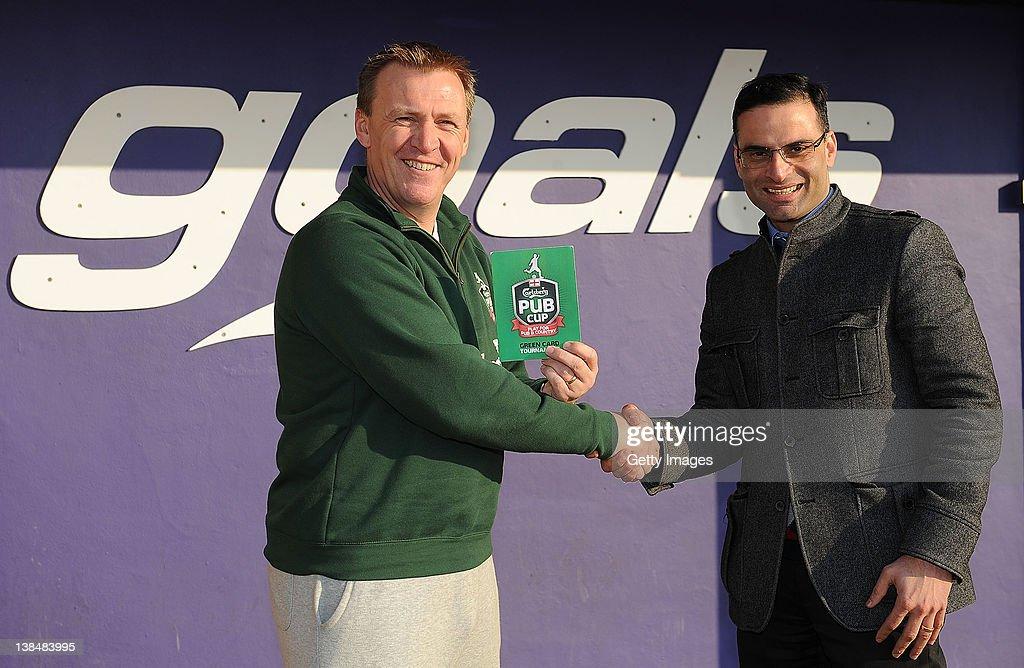 Graham Poll Promotes Carlsberg Pub Cup