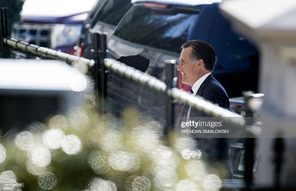 Former Republican US Presidential candidate Mitt Romney arrives for lunch at the White House November 29, 2012 in Washington, DC. Former Governor Mitt Romney met with Obama after loosing the 2012 US Presidential Election to him earlier this month. AFP PHOTO/Brendan SMIALOWSKI