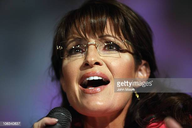 Former Republican Vice Presidential candidate Sarah Palin speaks in support of Joe Miller the Republican senatorial candidate for Alaska on October...