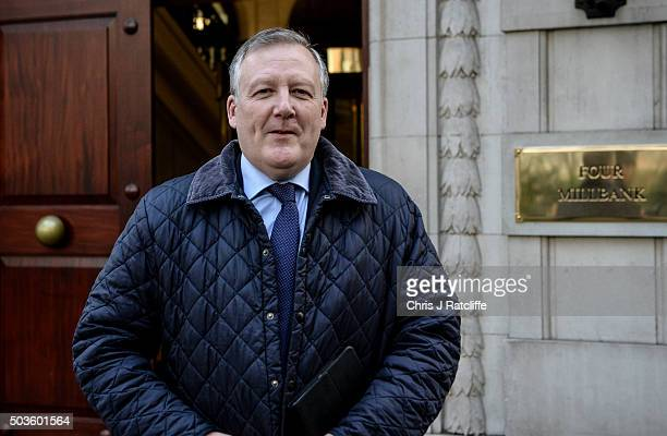 Former Shadow Defence Minister Kevan Jones leaves Number 4 Millbank on January 6 2016 in London England Shadow frontbench Ministers resigned today in...