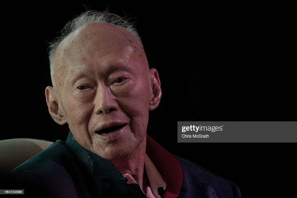 Lee Kuan Yew Speaks At Standard Chartered Singapore Forum