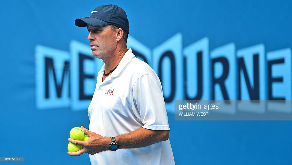 Former tennis great and now tennis coach, Ivan Lendl, watches the progress of Andy Murray of Britain during a training session at Melbourne Park on January 9, 2013. Top players are arriving in Melbourne ahead of the Australian Open which runs January 14-27. AFP PHOTO/William WEST IMAGE RESTRICTED TO EDITORIAL USE - STRICTLY NO COMMERCIAL USE