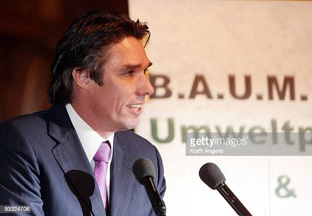 Former tennis player Michael Stich speaks during the BAUM Award 2009 in Hamburg on November 23 2009 in Hamburg Germany
