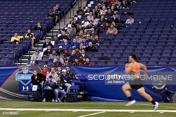 Former Texas AM offensive lineman Jake Matthews runs the 40yard dash during the 2014 NFL Combine at Lucas Oil Stadium on February 22 2014 in...