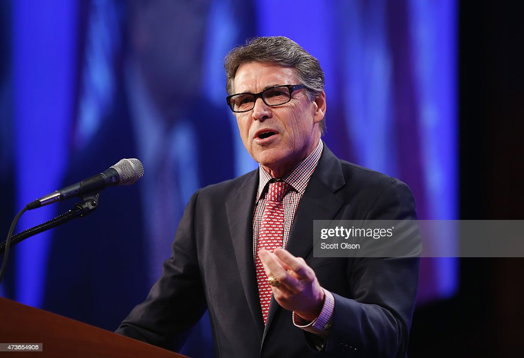 Former Texas Governor <a gi-track='captionPersonalityLinkClicked' href=/galleries/search?phrase=Rick+Perry+-+Politician&family=editorial&specificpeople=175872 ng-click='$event.stopPropagation()'>Rick Perry</a> speaks to guests gathered for the Republican Party of Iowa's Lincoln Dinner at the Iowa Events Center on May 16, 2015 in Des Moines, Iowa. The event sponsored by the Republican Party of Iowa gave several Republican presidential hopefuls an opportunity to strengthen their support among Iowa Republicans ahead of the 2016 Iowa caucus.