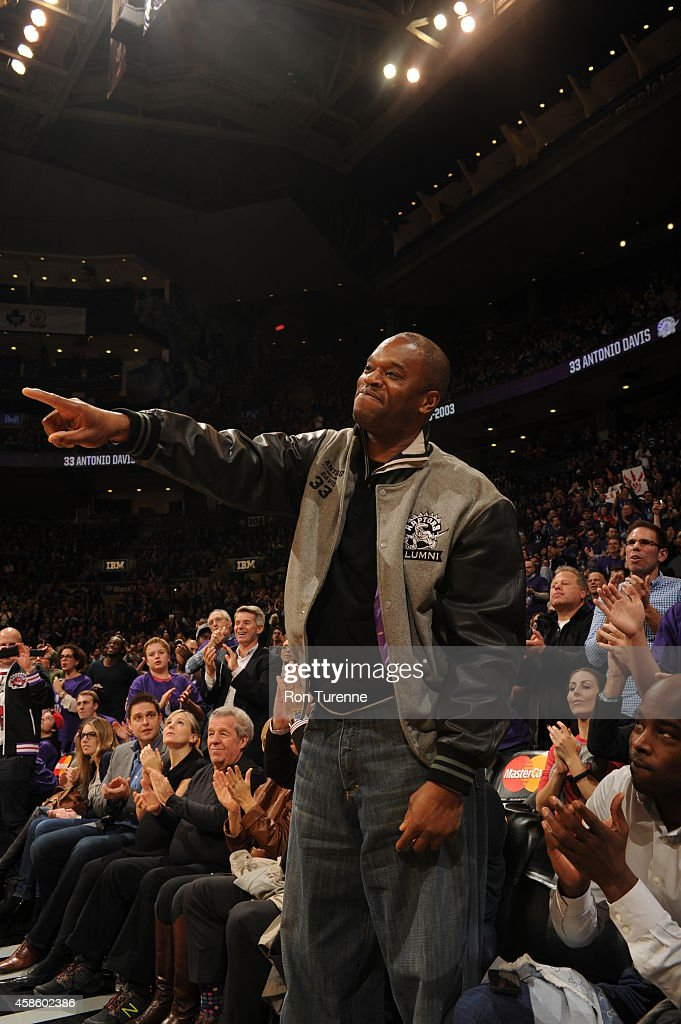 Former Toronto Raptor <a gi-track='captionPersonalityLinkClicked' href=/galleries/search?phrase=Antonio+Davis&family=editorial&specificpeople=201981 ng-click='$event.stopPropagation()'>Antonio Davis</a> watches during the game between the Toronto Raptors and the Washington Wizards on November 7, 2014 at the Air Canada Centre in Toronto, Ontario, Canada.