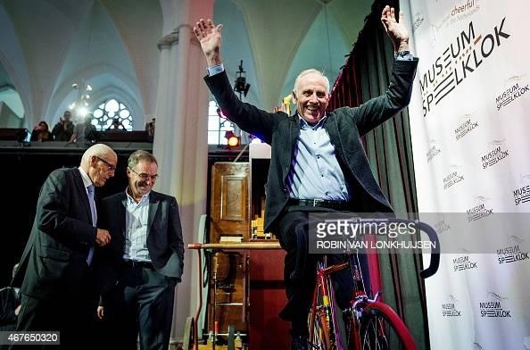 Former Tour de France winners Jan Janssen of the ...