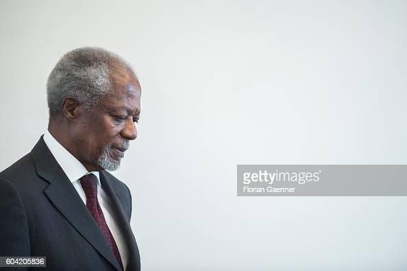 Former UN General Secretary Kofi Annan arrives to meet with German President Joachim Gauck at Schloss Bellevue palace on September 13 2016 in Berlin...