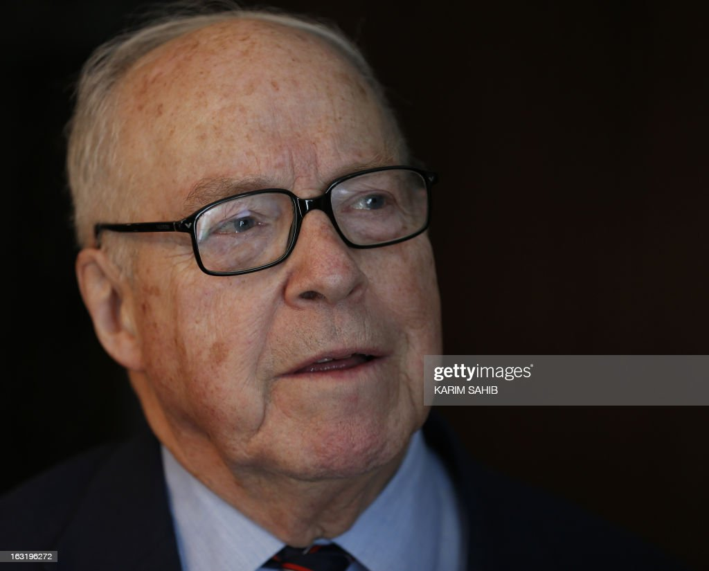 Former UN inspector Hans Blix talks to a small group of journalists at a press gathering in Dubai on March 5, 2013. Ten years after the US-led invasion on Iraq, accused at the time of hiding weapons of mass destruction, the now 82-year-old Swedish ex-diplomat urges world powers to avoid committing the same error in launching a war against Iran.