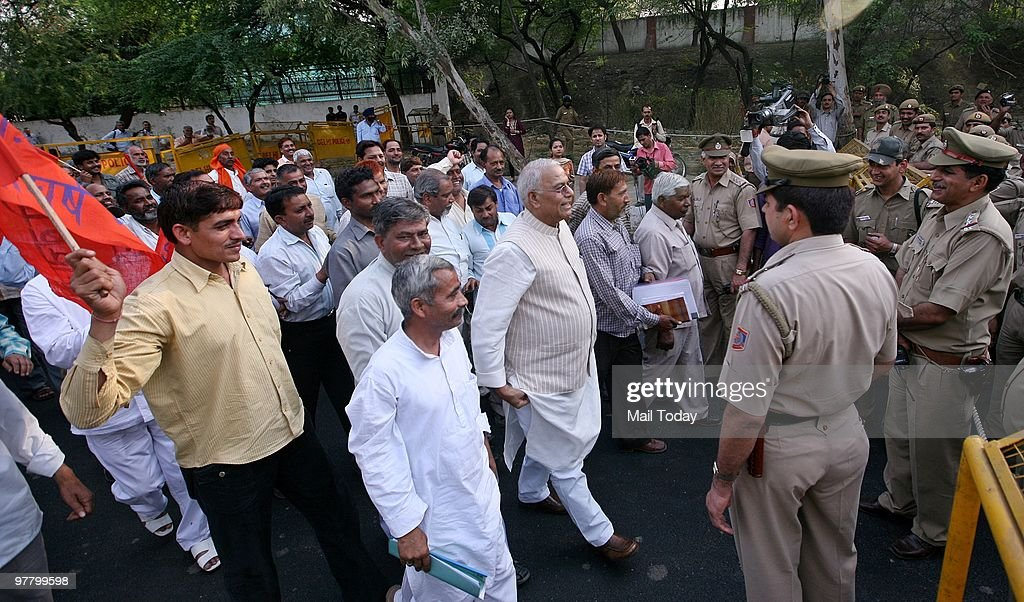 Former Union minister Yashwant Sinha along with DTC employees protest in New Delhi on Tuesday, March 16, 2010.
