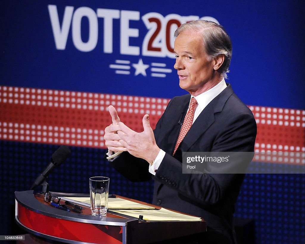 Former US Ambassador to Ireland businessman and Republican gubernatorial nominee Tom Foley participates in a televised debate with Stamford Mayor and...