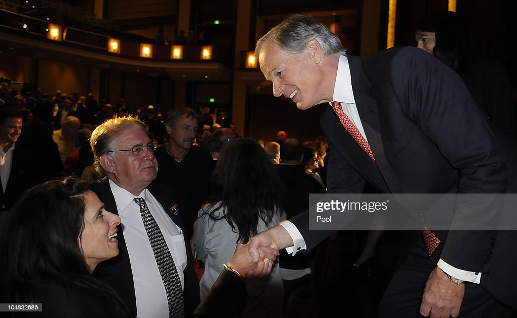 Former US Ambassador to Ireland businessman and Republican gubernatorial nominee Tom Foley thanks supporters after a televised debate with Stamford...