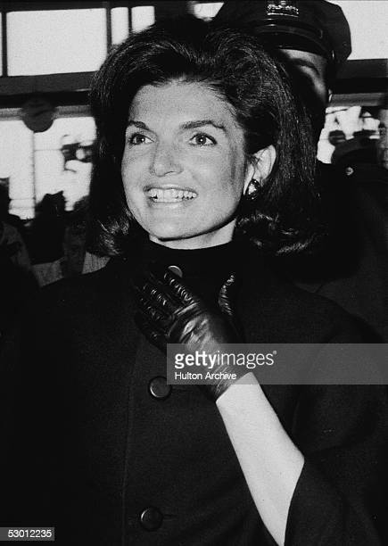 Former US first lady Jacqueline Kennedy arrives at John F Kennedy International Airport to depart for Cambodia New York New York October 1967 The...