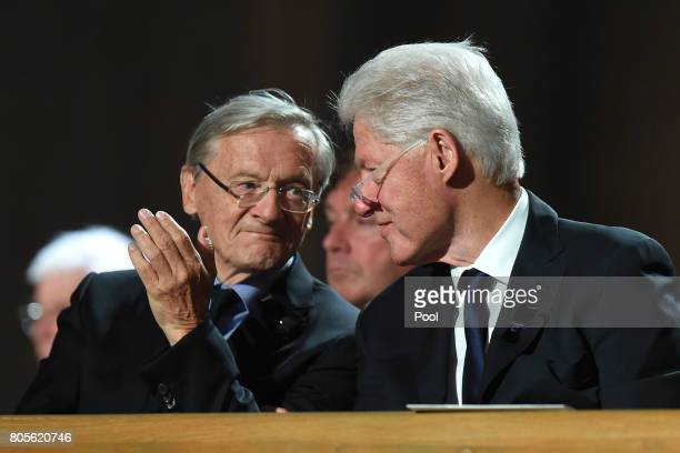 Former US President Bill Clinton attends a requiem for former German Chancellor Helmut Kohl at Speyer cathedral on July 1 2017 in Speyer Germany Kohl...
