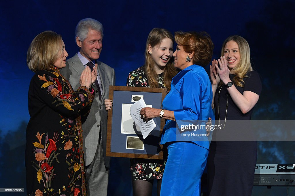 Former US President Bill Clinton, Former US Secretary of State Hillary Clinton, Robin Robbins, Chelsea Clinton and Liz Robbins attend SeriousFun Children's Network event honoring Liz Robbins with celebrity guests at Pier Sixty at Chelsea Piers on April 4, 2013 in New York City.