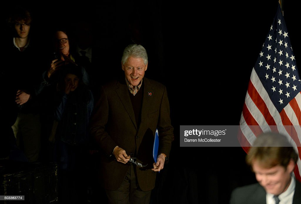Former U.S. President Bill Clinton prepares to speak at Exeter Town Hall January 4, 2016 in Exeter, New Hampshire. Bill Clinton spent the day campaigning for his wife, Democratic presidential candidate Hillary Clinton.