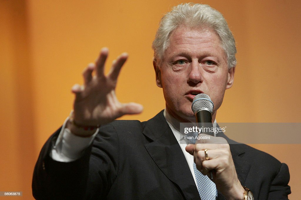 Former U.S. President <a gi-track='captionPersonalityLinkClicked' href=/galleries/search?phrase=Bill+Clinton&family=editorial&specificpeople=67203 ng-click='$event.stopPropagation()'>Bill Clinton</a> (L) speaks at the Time Magazine Global Health Summit at the Time Warner Center November 2, 2005 in New York City. The Summit runs from November 1-3.