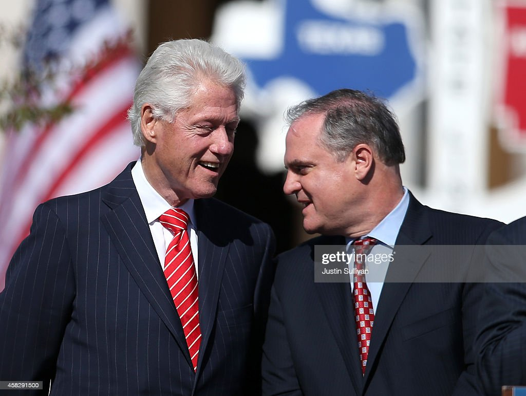 Former U.S. President <a gi-track='captionPersonalityLinkClicked' href=/galleries/search?phrase=Bill+Clinton&family=editorial&specificpeople=67203 ng-click='$event.stopPropagation()'>Bill Clinton</a> (L) talks with U.S. Sen. <a gi-track='captionPersonalityLinkClicked' href=/galleries/search?phrase=Mark+Pryor&family=editorial&specificpeople=788037 ng-click='$event.stopPropagation()'>Mark Pryor</a> (D-AR) during a campaign rally on November 2, 2014 in Texarkana, Arkansas. WIth less than a week to go before election day, polls show U.S. Sen. <a gi-track='captionPersonalityLinkClicked' href=/galleries/search?phrase=Mark+Pryor&family=editorial&specificpeople=788037 ng-click='$event.stopPropagation()'>Mark Pryor</a> (D-AR) is trailing republican candidate for senate, U.S. Rep. Tom Cotton (R-AR).