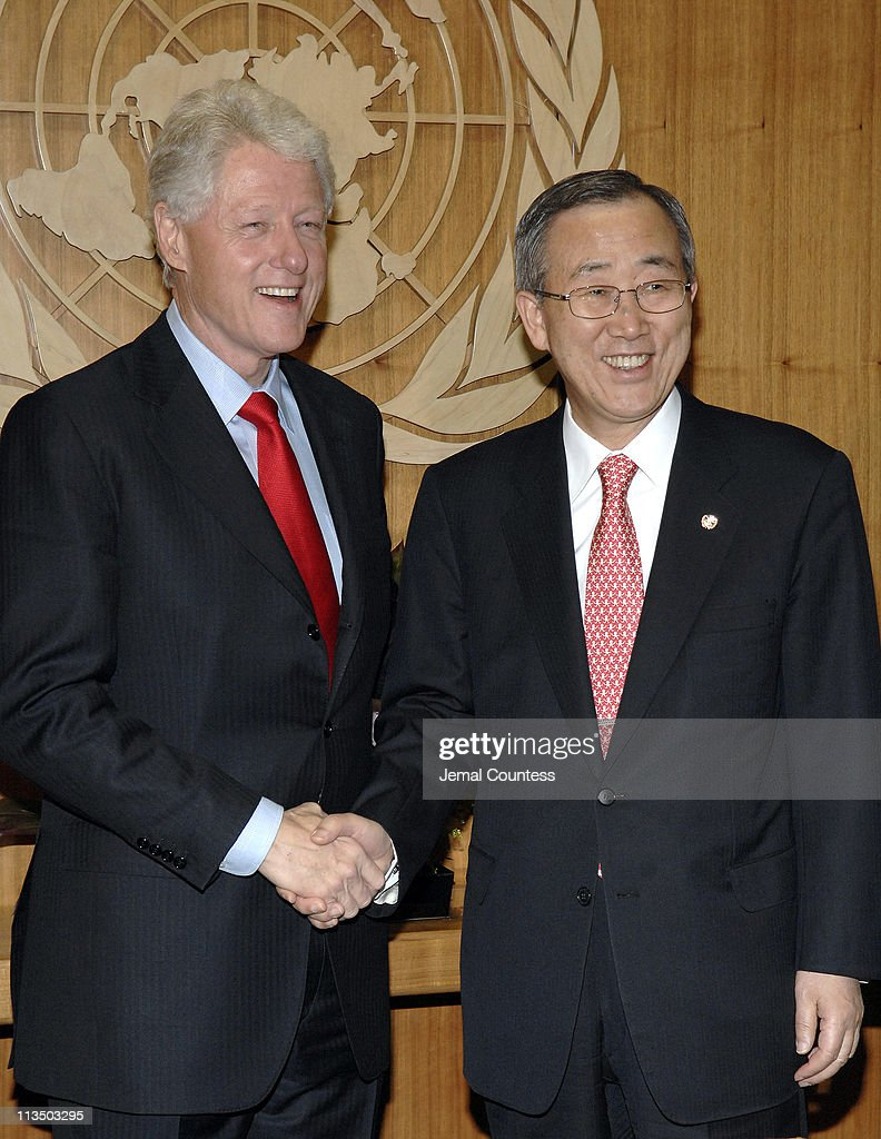 Former U.S. President William Jefferson Clinton Meets with UN Secretary General Ban-Ki Moon - April 12, 2007