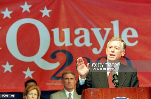 Former US VicePresident Dan Quayle delivers a speech announcing his intention to run as a Republican candidate for the presidency of the US 14 April...