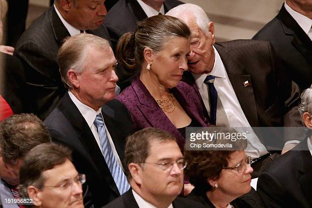 Former Vice President Dan Quayle and his wife Marilyn Quayle attend the memorial service for astronaut Neil Armstrong at the National Cathedral...