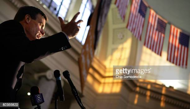 Former Virginia Gov and Democratic candidate for US Senate Mark Warner addresses a fundraising event at the Science Museum of Virginia August 14 2008...