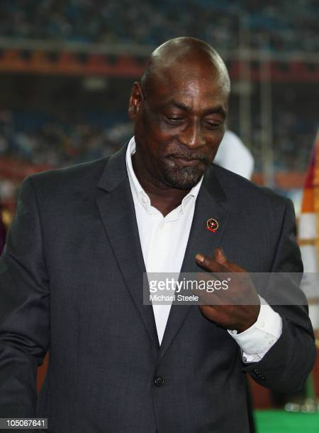 Former West Indian cricketer Sir Viv Richards attends the medal ceremony for the women's 1500 metres during day five of the Delhi 2010 Commonwealth...